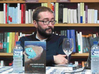 Escritor Juan Ramón Santos